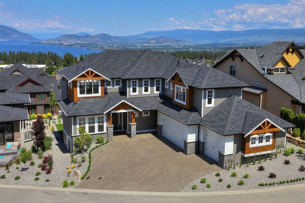 External view of 462 Rockview Lane overlooking the Okanagan valley, custom home build by Tyler Stark